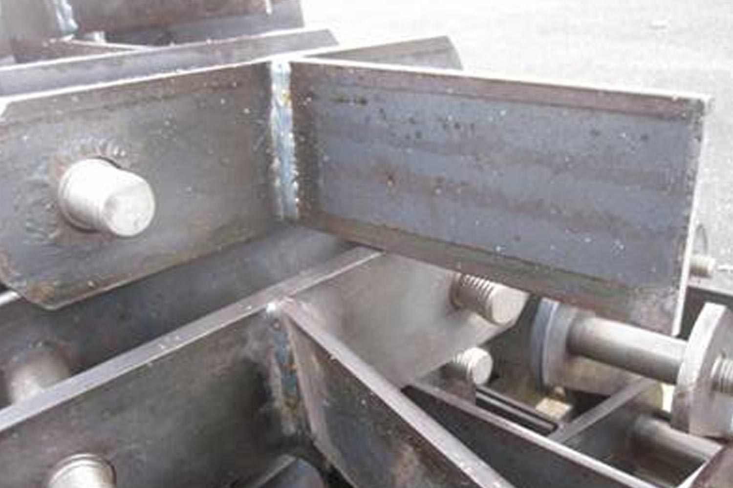 Attachment types - Welded